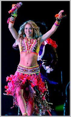 Shakira, Roberto Caballi design
