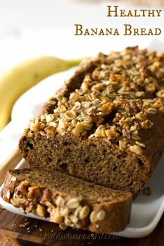 If you like to eat healthily but are occasionally craving for some little (guilt free) treat to go with coffee, this Healthy Banana Bread recipe is made for you! It's without any added sugar and without butter.