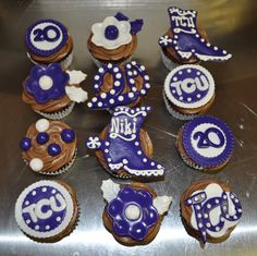graduation cupcakes decorating ideas | ... double chocolate cupcakes with TCU themed 20th birthday decorations