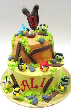 angry birds cake... Mackenzie loves this, said can we make one of those for my birthday!