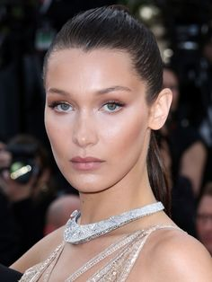 NUDEST NUDE MAKEUP Bella Hadid #Cannes2016 #Beauty