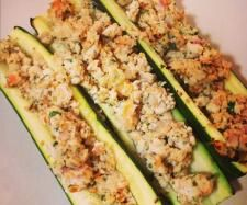 Recipe HCG Chicken stuffed zuchini by StephaHope, learn to make this recipe easily in your kitchen machine and discover other Thermomix recipes in Main dishes - meat. Hcg Chicken Recipes, Hcg Diet Recipes, Cooking Recipes, Hcg Meals, Hcg Crockpot Recipes, Bariatric Recipes, Healthy Snacks, Healthy Eating, Healthy Recipes