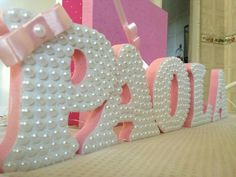 letra-em-mdf-com-perolas-letra-mdf-festa-infantil. Diy And Crafts, Arts And Crafts, Diy Y Manualidades, Ballerina Birthday, Wooden Letters, Cardboard Letters, 3d Letters, Baby Party, Baby Decor