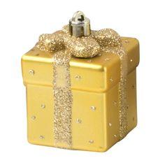Gouden kerstbal in cadeau vorm. Leuke kerstbal in de vorm van een cadeautje. Het…