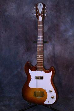 $529.88 Custom Kraft Vanguard Style 1964 Ice Tea Burst Original Case