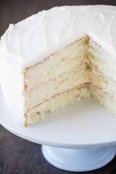 The Most Amazing White Cake is here! It's light, and airy, and absolutely gorgeous. This is the white cake you've been dreaming of! Cupcakes, Cupcake Cakes, Poke Cakes, Layer Cakes, Just Desserts, Delicious Desserts, Dessert Recipes, White Cake Recipes, Amazing White Cake Recipe