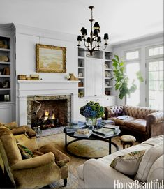 Home Interior Loft Jeannette Whitson I Hide chairs and distressed chesterfield sofa Living Room Remodel, Living Room Sofa, Home Living Room, Living Room Furniture, Living Room Designs, Living Room Decor, Living Spaces, Chesterfield Living Room, Furniture Layout
