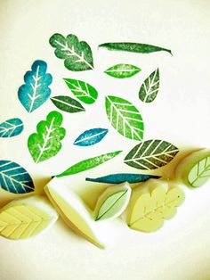 hand carved rubber stamps by talktothesun. set of 5 various leaf rubber stamps. style woodland + botanical plant stamp series for your wedding guestbook, birthday, spring + autumn diy crafts. about - the largest leaf. Stamp Printing, Printing On Fabric, Notebook Art, Clay Stamps, Stamp Carving, Handmade Stamps, Tampons, Diy Gifts, Hand Carved