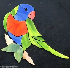 Lorikeet mosaic in stained glass Stained Glass Birds, Stained Glass Suncatchers, Stained Glass Designs, Stained Glass Panels, Stained Glass Projects, Stained Glass Patterns, Mosaic Animals, Mosaic Birds, Glass Animals