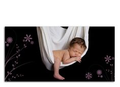Die Geburtsanzeige Helene/Hannes wird ihre Empfänger durch das zarte florale Muster verzaubern. Das Bild auf der Vorderseite nimmt das Auge gefangen und wird dezent von unserem Muster eingerahmt. Auf der Rückseite können sowohl eine Danksagung als auch die Geburtsdaten sowie ein Absender untergebracht werden. Zu dieser Karte liefern wir Ihnen kostenlos weiße Umschläge im Format DIN-Lang (im Preis enthalten).