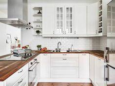 White kitchen, Kommendörsgatan 21 G Kitchen Worktop, White Kitchen Cabinets, Kitchen Design Open, Interior Design Kitchen, Living Room Kitchen, Kitchen Decor, Command Center Kitchen, Budget Kitchen Remodel, Kitchen Colors