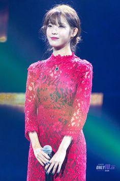IU 160820 in ChengDu Iu Fashion, Asian Fashion, Celebrity List, Celebrity Style, Korean Celebrities, Celebs, Korean Star, Kpop Girls, Asian Beauty