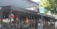 George's Bar & Restaurant - burgers