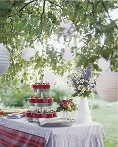 fruit cups on tiered server - Martha stewart july 2007 Tiered Server, Tiered Stand, Summer Bucket Lists, Vintage Roses, Farm Wedding, Tea Party, Baby Party, Party Time, Table Settings