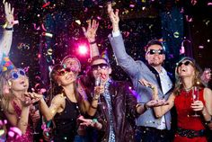 You Can Make Cool Party Games Easy : Cool Party Games For Adults. Cool party games for adults. party planner,some adult party Party Knaller, Party Games, Disco Party, Fiesta Party, Fun Games, Party Favors, Share Pictures, Friend Pictures, New Years Eve Chicago