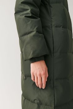 COS | New Year Wishlist Long Winter Coats, Winter Coats Women, Coats For Women, Color Khaki, Khaki Green, Vest For Sale, Juicy Couture Black Label, Long Puffer Coat, Coat Sale