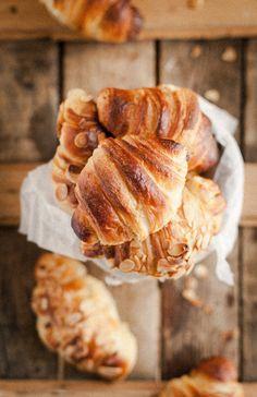 levained croissants