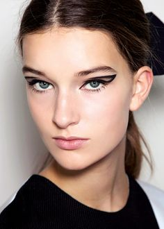 Graphic eyes at Roksanda Ilincic