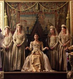 The Tudors. Anne Boleyn queen of England👑👑👑, Lady of Ireland and marquise of Pembroke Los Tudor, Tudor Era, Tudor Fashion, Look Fashion, Tudor Series, Tudor Dress, Anne Boleyn Tudors, The Other Boleyn Girl, Tudor Costumes