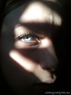 blue eyes... light vs dark