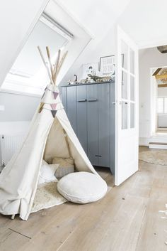 neutral teepee for the playroom