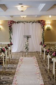 8 Cozy Chic Wedding Decoration Ideas To Enchant Your Big Day Simple Wedding Decorations Diy Wedding Backdrop Wedding Ceremony Decorations Indoor