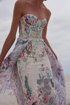Unique floral embroidered wedding gown by Hermione de Paula. Cream strapless dress with touches of lavender, pinks, greens and blues. Such a gorgeous multicolored wedding dress. Unusual Wedding Dresses, Alternative Wedding Dresses, Floral Wedding Dresses, Floral Gown, Couture Wedding Dresses, Wedding Dresses Non Traditional, Different Color Wedding Dresses, Printed Wedding Dress, Unusual Dresses