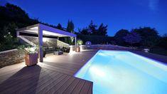Eine Design-Pergola von Biossun ist mehr als ein Terrassendach. Sie ist Schattenspender und Outdoor-Klimaanlage. Lounge, Pergola, Outdoor Decor, Design, Home Decor, Air Conditioning System, Lawn And Garden, Airport Lounge, Lounge Music