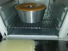 "Resep Bolu jadul moist (6 telor) favorit. Iseng bikin cemilan. Kali ini g lupa posting , karena kemarin bikin brownies ketan hitam ehhh malah lupa foto jadi g posting deh  Ini cake sih juara banget moist nya , dijamin g sereeet .. Lembuttt Bangeeet .. Apalagi pakai butter , wanginya serumah"" hahaha Cooking Cake, Cooking Recipes, Brownie Cake, Brownies, Resep Cake, Egg Cake, Fruit Decorations, Recipe Steps, Sponge Cake"