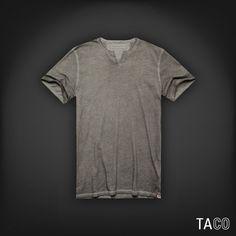 Chegou t-shirt gola portuguesa com tintura à seco, galera! Quem curtiu?