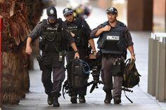 Secuestro en Sydney sin precedentes - Un supuesto islamista retiene a punta de pistola a... Sydney, Blue Streaks, Blue Stripes