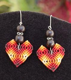 Macrame earrings ORANGE HEARTS. €15,00, via Etsy.