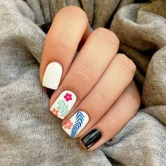 Tropical mood in the middle of January!🌴🌺 I used the beautiful Tropical 35 stamping plate, one-coat… Glam Nails, Nail Manicure, Beauty Nails, Cute Nails, Pretty Nails, Pedicure, Summer Acrylic Nails, Spring Nails, Nail Polish Designs
