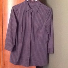 The Limited button down shirt Very good condition. Worn once The Limited Tops Button Down Shirts