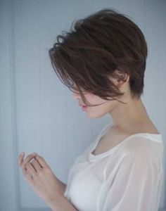 15 Short Haircuts for Long Faces   http://www.short-hairstyles.co/15-short-haircuts-for-long-faces.html