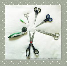 Tijeras de diferentes tipos para costura, cuchilla circular y otras herramientas de corte