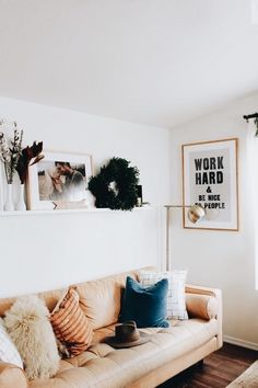 75 Clever College Apartment Decorating Ideas on A Budget - Apartment Decoration My Living Room, Home And Living, Living Room Decor, Design Room, House Design, Home Interior, Cozy House, Home Decor Inspiration, Diy Home Decor