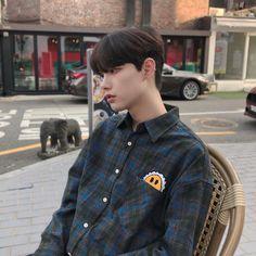 Junwoo November 04 2019 at fashion-inspo Korean Ulzzang, Ulzzang Boy, 3 Boys, Cute Boys, Asian Boys, Asian Men, Korean Men, Korean Girl, Korean Couple