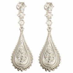 Alamar earrings in 18-carat white gold and diamonds by Carrera y Carrera