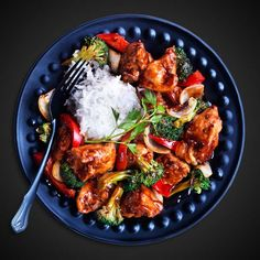 In a large bowl, whisk together egg, VH® Soy Sauce and 1 tbsp. (15 mL) of VH® General Tao Sauce. Whisk in cornstarch until well combines and liquefied. Stir in chicken pieces until well coated. In a wok set over high heat, heat about 2 cups (500 mL) of oil until very hot, about 350° F. in … Continue reading General Tao Chicken →