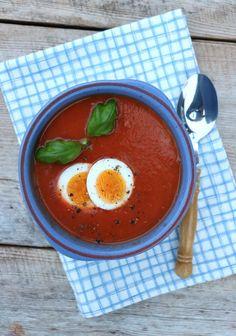 Tomatsuppe med egg - LINDASTUHAUG
