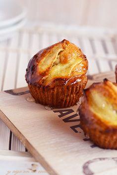 y sigo en la cocina: Magdalenas de manzana rellenas de lemon curd Apple Recipes, Sweet Recipes, Baking Recipes, Whole Food Recipes, Brownie Recipes, Cake Recipes, Dessert Recipes, Desserts, Mini Cakes