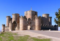 The Castle of Belmonte – Great Castles of Spain Portugal Vacation, Places In Portugal, Visit Portugal, Portugal Travel, Vila Medieval, Chateau Medieval, Medieval Castle, Historical Architecture, Ancient Architecture
