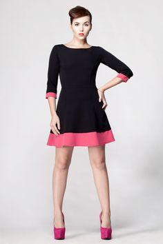 Kleines Schwarzes mit Pink, ausgestelltes Kleid // little black dress with color-blocking in pink via DaWanda.com