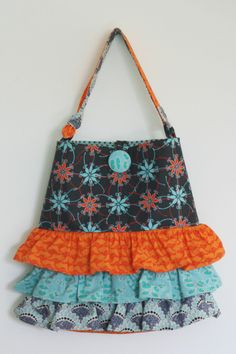 I love this version of my Frill Seeker bag that I made using the gorgeous Terra Australis fabrics