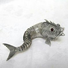 Articulated fish