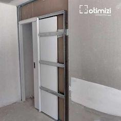 Por que Comprar porta embutida na parede Pocket Door Installation, Bedroom False Ceiling Design, Steel Frame Construction, Home Upgrades, Home Repairs, Pocket Doors, Diy Door, Diy Home Improvement, Sliding Doors