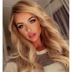 Sexy blonde ❤