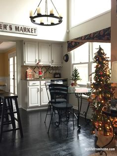 Cozy Christmas Kitchen| My Life From Home| www.mylifefromhome.com