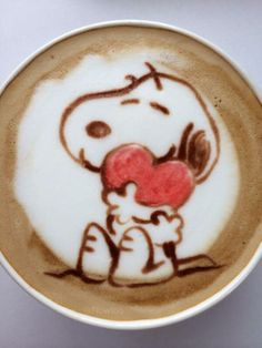 art :*¨¨*:Coffee♥Art:*¨¨*: snoopy Coffee Latte Art, Coffee Love, Coffee Break, Coffee Cups, Hot Coffee, Morning Coffee, Coffee Shop, Snoopy Love, Charlie Brown And Snoopy